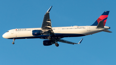 A picture of N101DQ - Airbus A321211 - Delta Air Lines - © Yan777