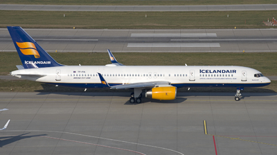 A picture of TFFIA - Boeing 757256 - Icelandair - © Kurt Kolb