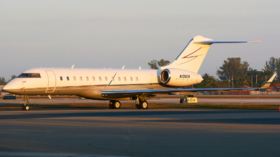 A picture of N720CH - Bombardier Global Express - [9100] - © jeremy denton