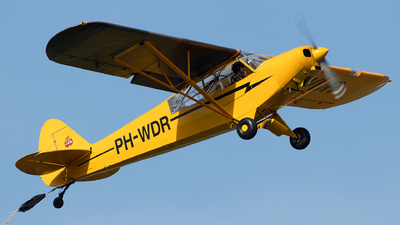A picture of PHWDR - Piper PA18135 - [183852] - © Sandra