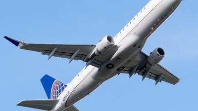 N602UX - Embraer 170-200LL - United Express (ExpressJet Airlines)