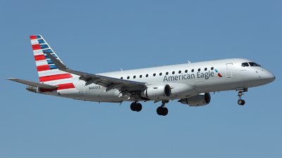 A picture of N444YX - Embraer E175LR - American Airlines - © Arno Vesterholm