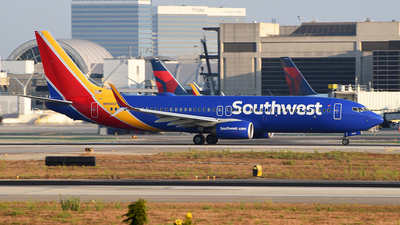 N8560Z - Boeing 737-8H4 - Southwest Airlines