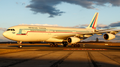 081 - Airbus A340-212 - France - Air Force