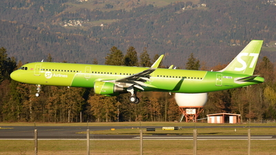 OE-IOG - Airbus A321-211 - S7 Airlines