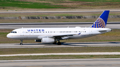 A picture of N474UA - Airbus A320232 - United Airlines - © Rocky Wang