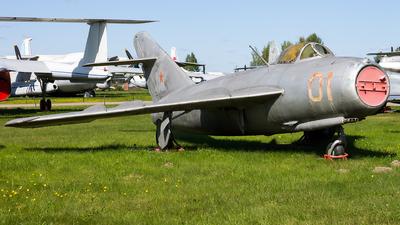 01 - Mikoyan-Gurevich MiG-17 Fresco - Soviet Union - Air Force