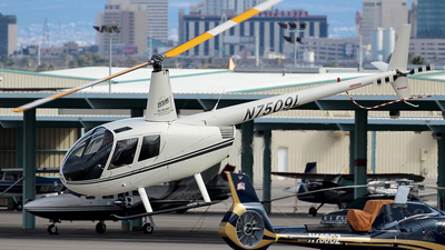 N5709L - Robinson R44 Raven - Private
