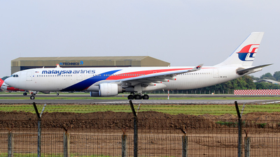 9M-MTB - Airbus A330-323 - Malaysia Airlines