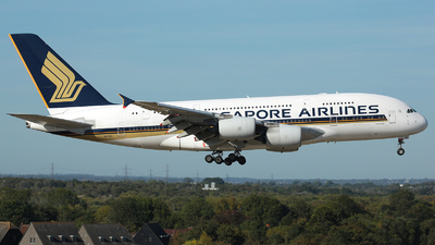 A picture of 9VSKN - Airbus A380841 - Singapore Airlines - © R. Eikelenboom