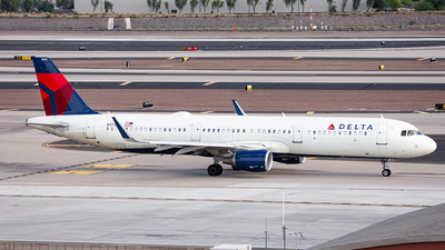 A picture of N373DX - Airbus A321211 - Delta Air Lines - © Alexander Owen