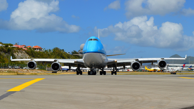 PH-BFY - Boeing 747-406(M) - KLM Asia