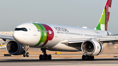 A picture of CSTUL - Airbus A330941 - TAP Air Portugal - © bill wang