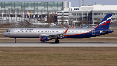 A picture of VPBEA - Airbus A321211 - Aeroflot - © Manfred Franke