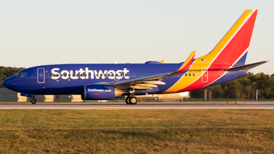 N724SW - Boeing 737-7H4 - Southwest Airlines