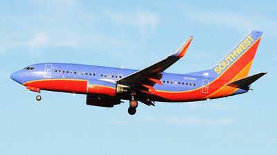 N242WN - Boeing 737-7H4 - Southwest Airlines