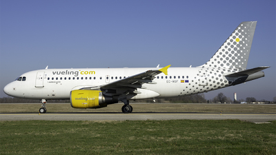 EC-MGF - Airbus A319-111 - Vueling