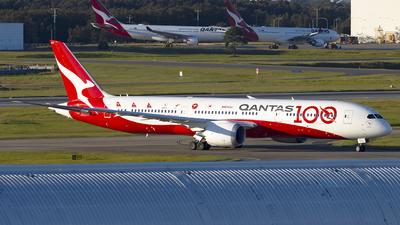 A picture of VHZNJ - Boeing 7879 Dreamliner - Qantas - © Jon Logan