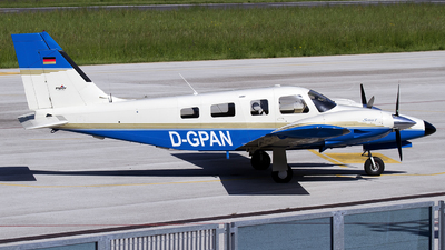 D-GPAN - Piper PA-34-220T Seneca V - Private