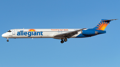 A picture of N419NV - McDonnell Douglas MD83 - [53366] - © Maximilian Haertl