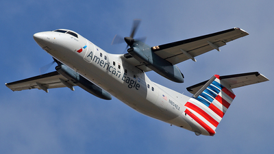 N804EX - Bombardier Dash 8-102 - American Eagle (Piedmont Airlines)