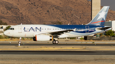 A picture of CCCYI - Airbus A319132 - LATAM Airlines - © MartinezRoe7