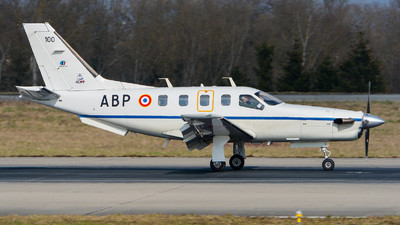 100 - Socata TBM-700 - France - Air Force