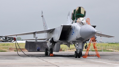 RF-95442 - Mikoyan-Gurevich MiG-31 Foxhound - Russia - Air Force