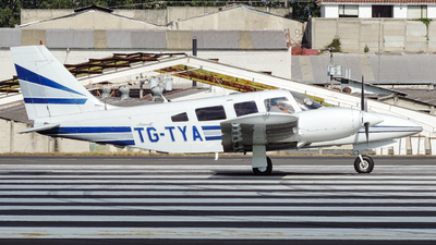 TG-TYA - Piper PA-34-220T Seneca III - Private