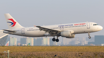 B-6879 - Airbus A320-214 - China Eastern Airlines