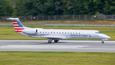 A picture of N608LM - Embraer ERJ145LR - American Airlines - © Radim Koblížka