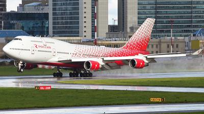 A picture of EIXLJ - Boeing 747446 - Rossiya - © Luba Ostrovskaya