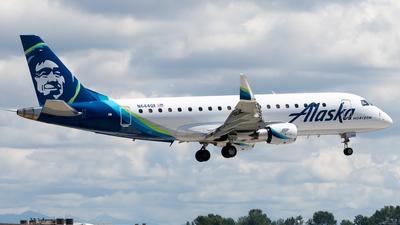 A picture of N644QX - Embraer E175LR - Alaska Airlines - © Nick Sheeder