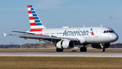 A picture of N827AW - Airbus A319132 - American Airlines - © Kevin Cargo