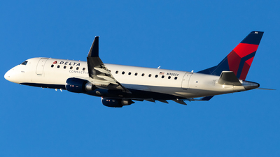 A picture of N305SY - Embraer E175LR - Delta Air Lines - © Angelos Panou