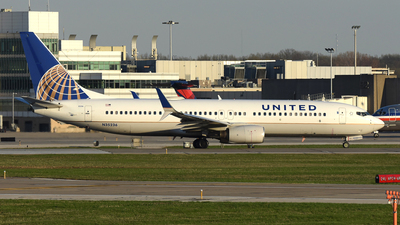 A picture of N35236 - Boeing 737824 - United Airlines - © DJ Reed - OPShots Photo Team
