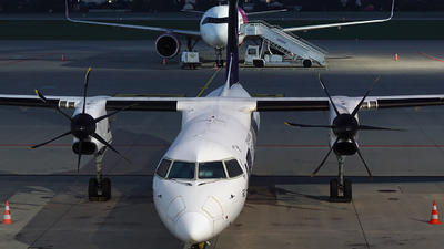 OY-YBZ - Bombardier Dash 8-Q402 - LOT Polish Airlines