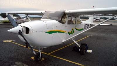 N35469 - Cessna 172I Skyhawk - Private