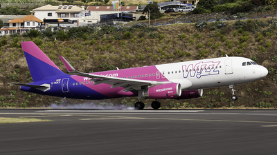A picture of GWUKE - Airbus A320232 - Wizz Air - © Alex Maio