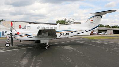 D-IAMI - Beechcraft 200 Super King Air - Private