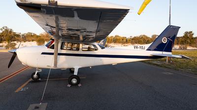VH-YOJ - Cessna 172S Skyhawk SP - Singapore Flying College