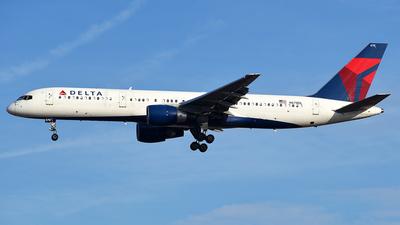 N678DL - Boeing 757-232 - Delta Air Lines