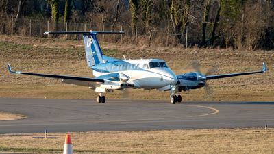 N868UP - Beechcraft B300C King Air 350C - Wheels Up