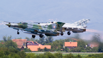 121 - Mikoyan-Gurevich Mig-21bisD Fishbed L - Croatia - Air Force