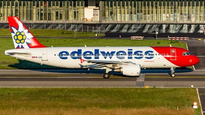 A picture of HBIJU - Airbus A320214 - Edelweiss Air - © Thierry Weber
