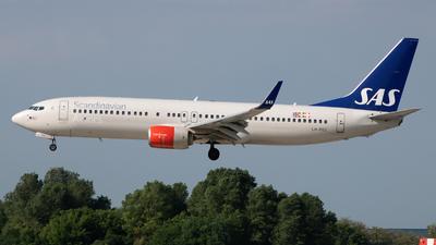 LN-RGG - Boeing 737-86N - Scandinavian Airlines (SAS)
