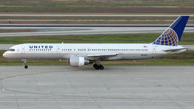 N574UA - Boeing 757-222 - United Airlines
