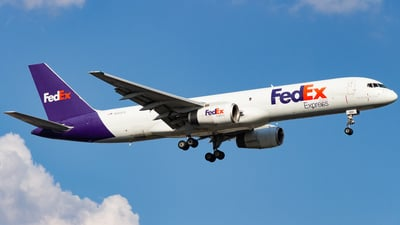 A picture of N950FD - Boeing 757236(SF) - FedEx - © Devon McCune