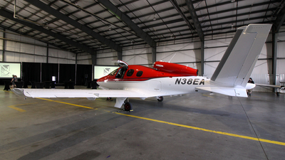 N38EA - Cirrus Vision SF50 - Private