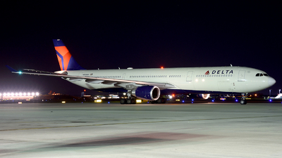 A picture of N829NW - Airbus A330302 - Delta Air Lines - © Agustin Anaya
